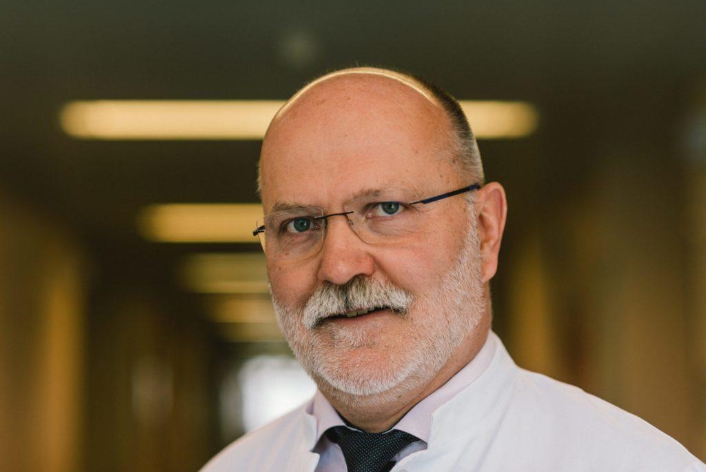 Dr. Lutz-Uwe Wölfer, Chefarzt der Hautklinik